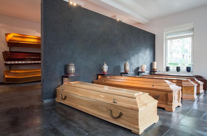 故人にふさわしい棺桶の選び方|種類や費用相場を詳しく解説