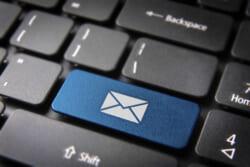 お悔やみメールを送返信する際のマナー|関係別に文例も解説します