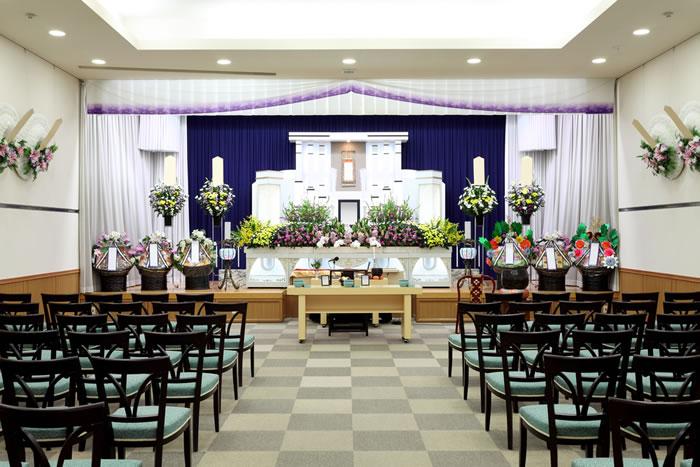 全国の葬儀費用平均は約200万円!できるだけ費用を安く抑える方法を徹底解説