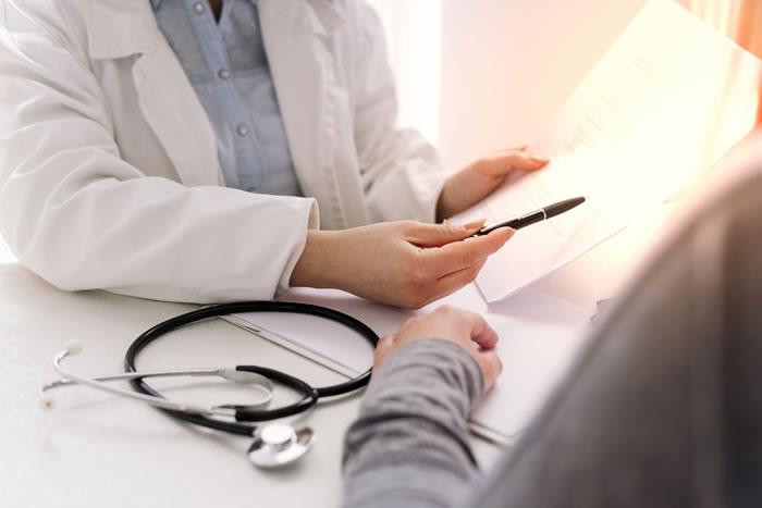 死亡診断書と死亡届の違いとは?それぞれの書き方と提出方法を徹底解説