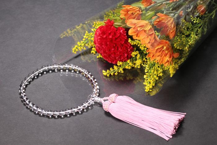 仏壇にお供えする花の飾り方とマナー