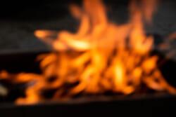 お盆の迎え火|ご先祖様を迎えるためのマナー