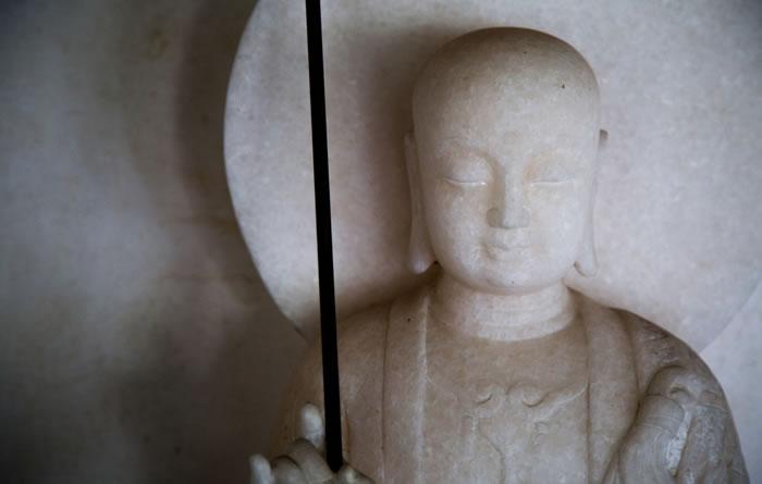 地蔵盆 子どもたちの守り神、地蔵菩薩を祀る