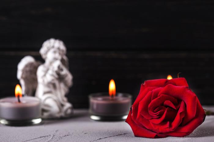 「喪に服す」とは?喪に服す人から意味や背景、避けるべきことまで解説