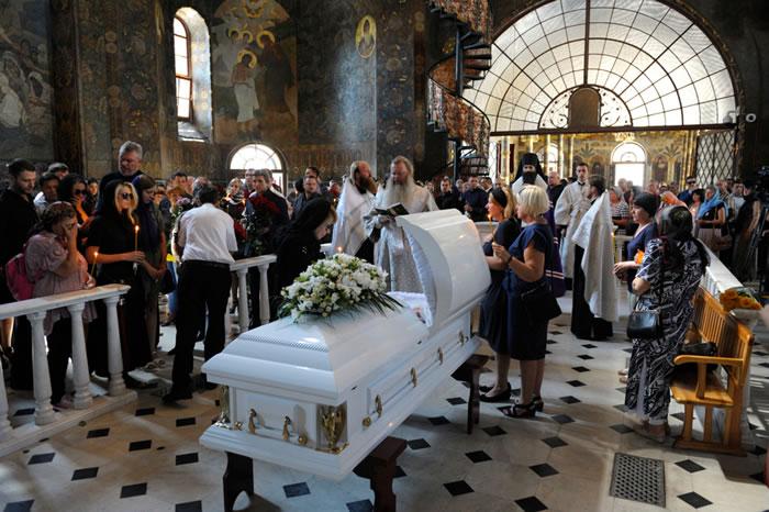 カトリックの葬儀の流れ