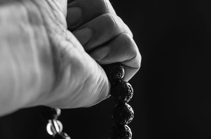 浄土真宗のお経にはどんな意味があるの?お経の由来と南無阿弥陀仏の意味を解説