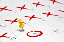 忌引き休暇の日数は?関係性別日数や注意点を詳しく解説