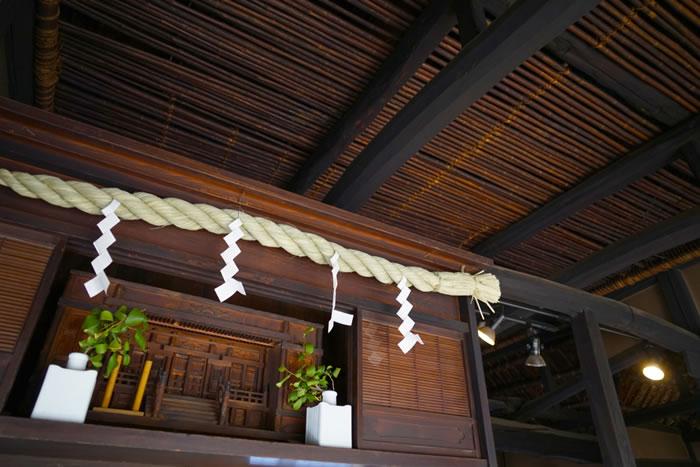神棚の配置の基本は南向きか東向きの高い位置で!位置や場所など神棚の配置について徹底解説