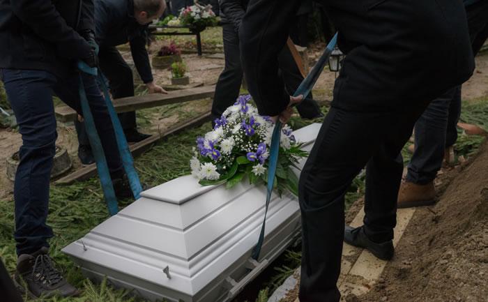 日本では土葬をするのが難しい|土葬する場合は土地や墓地探しが重要なポイント
