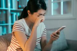 「お悔やみ申し上げます」をメールで伝える際のマナーを解説!故人との関係性別の文例も紹介