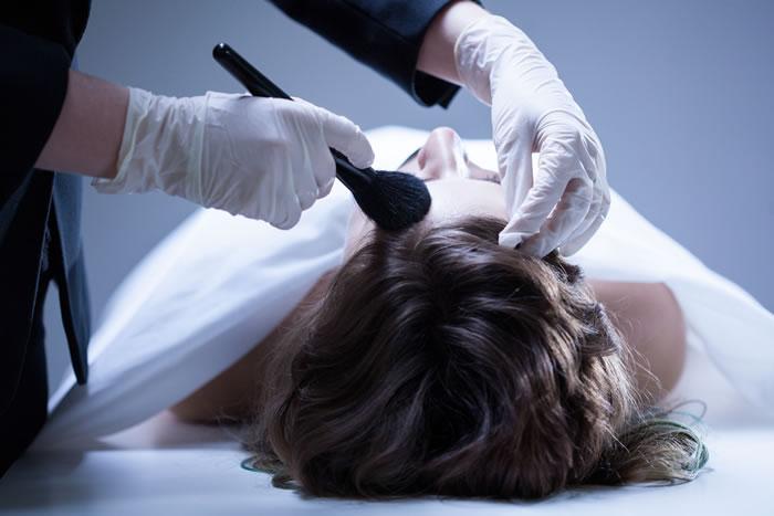 死化粧(エンゼルケア)はどのタイミングで行う?タイミングや手順、かかる費用を徹底解説
