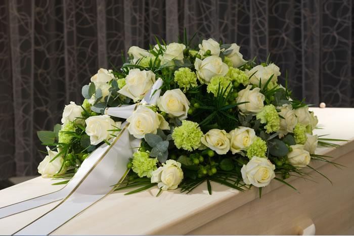 死化粧(エンゼルケア)は故人が亡くなってから納棺されるまでの間に行う