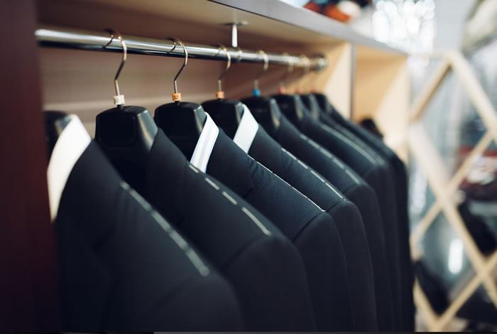 喪服のレンタルサービスは葬儀社や貸衣装店などで利用可能