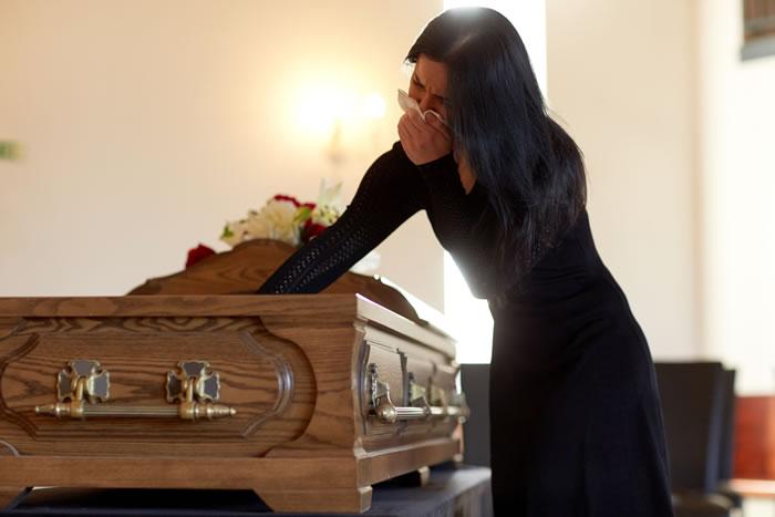 棺に納める副葬品|入れても良いものと悪いものをそれぞれ解説