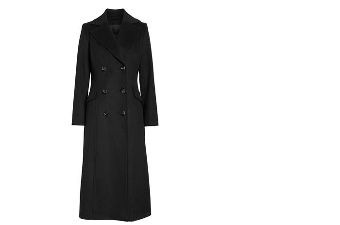 喪服はコートも黒で統一?喪服でコートを着用する際のポイントを解説