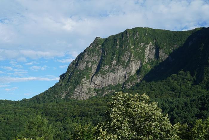 山形県の葬儀の慣習と出羽三山の山岳信仰