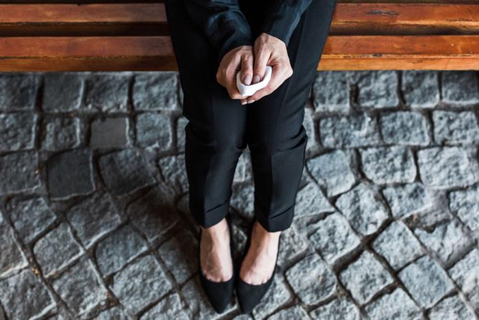 葬儀、通夜の際のハンカチの使い方