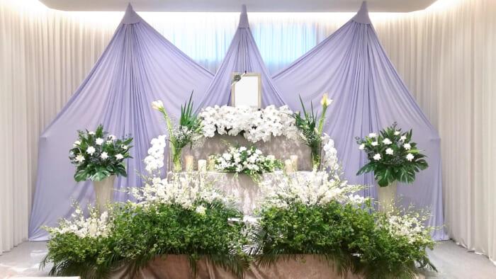 自社生花部オリジナル、こだわりの花祭壇