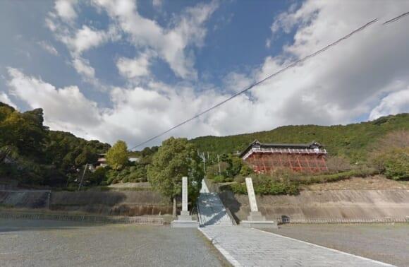 「本福寺」 佐賀県三養基郡|西日本最大級の五重塔を擁し地元の人々にも親しまれている寺院