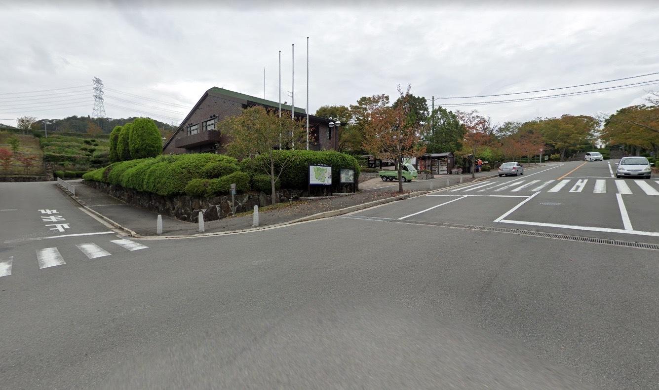 「飯盛霊園」 大阪府四條畷市|多様な生物が生息する自然豊かな公営の墓地公園