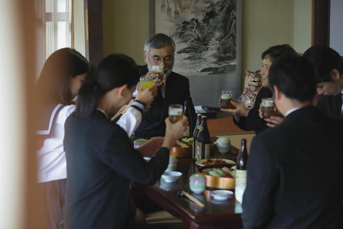陰膳(かげぜん)は葬儀で食べる精進料理 主な品目と歴史を解説