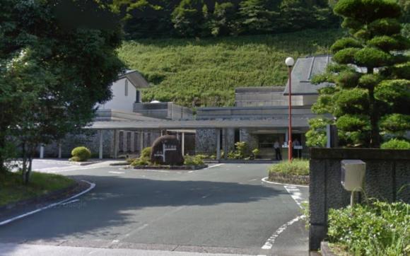 「高知市斎場」 高知県高知市|緑豊かな環境にある高知市の公営斎場