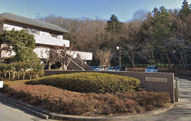 「青梅市民斎場」 東京都青梅市|火葬場と墓地公園に隣接する公営の斎場