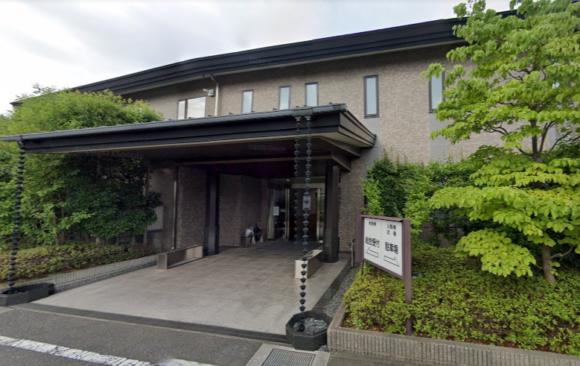 「谷塚斎場」 埼玉県草加市|聖典株式会社が運営する緑地に囲まれた民営の斎場