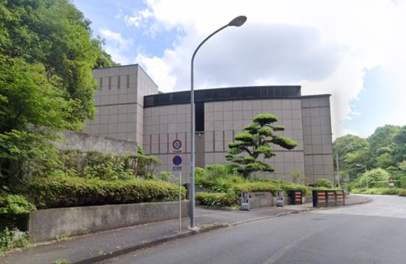 「横浜市南部斎場」 神奈川県横浜市|通夜から火葬まで執り行える横浜市が運営する公営の総合斎場